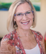 Book an Appointment with Dr. Kim Haustedt for Chiropractic
